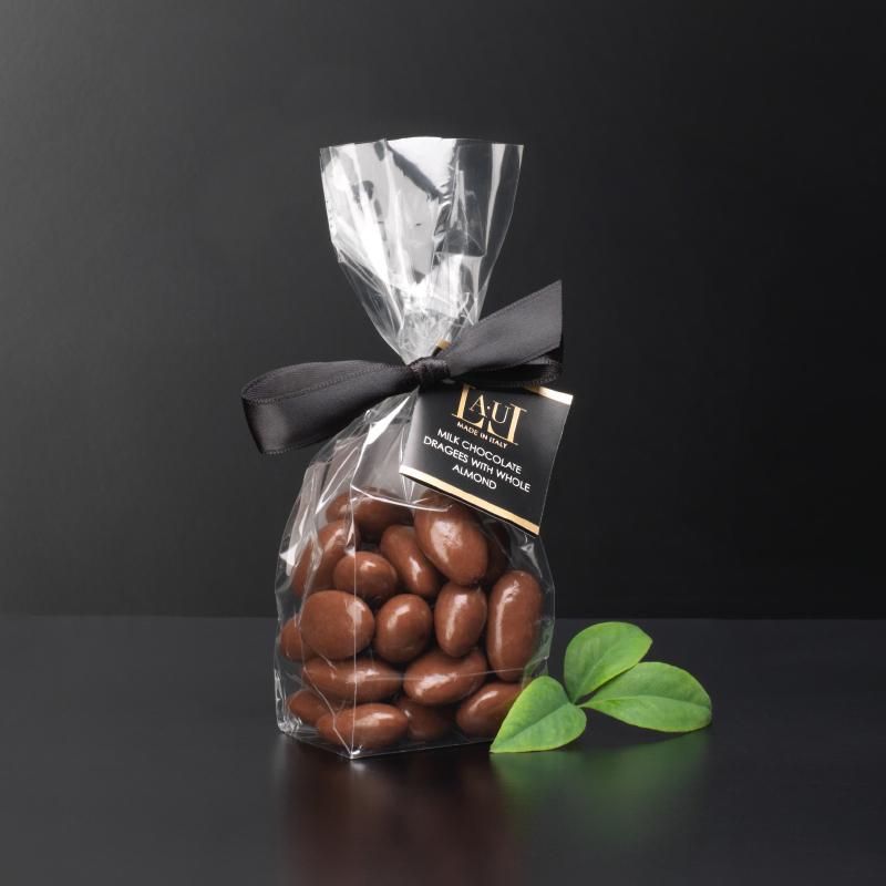 Milk chocolate dragées with whole almond