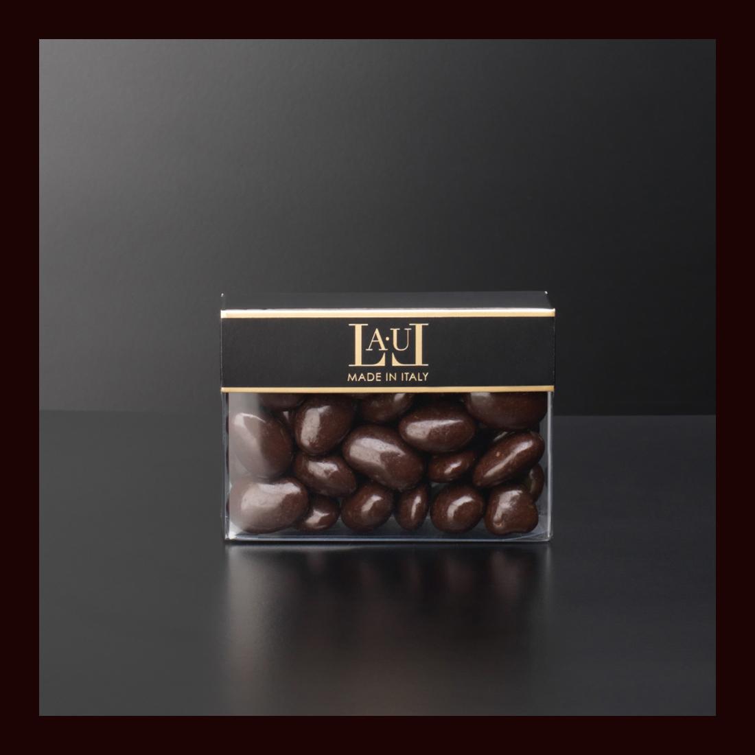 Dragées di cioccolato extra fondente con mandorla intera