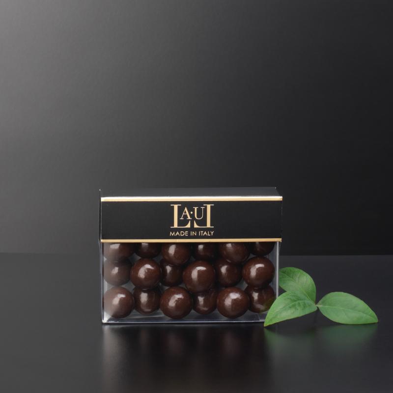 Extra dark chocolate dragées with whole hazelnut