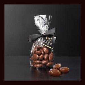 Sacchetto Dragées di cioccolato al latte con mandorla intera